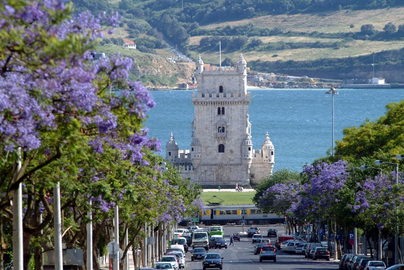 Torre de Belem in Lisbon H-