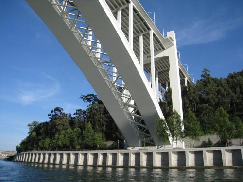 Ponte_da_Arrábida_(3578397088)