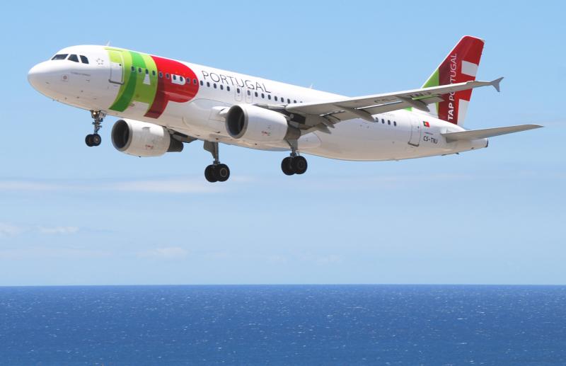 TAP_Air_Portugal_Airbus_A320-214;_CS-TNJ@FNC;12.07.2011_607bc_(5940056994)