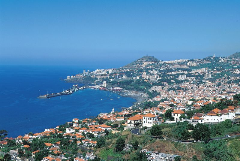 Bay of Funchal a general view Photo credit to Joao Paulo - T09AVH0U