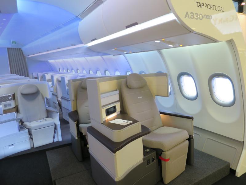 TAP_Portugal_A330neo_interior_ITB_2017