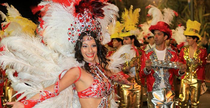 Carnaval-2013-1-700x360
