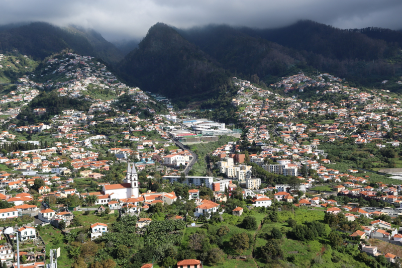 Mountain-landscape-and-cityscape-in-madeira-portugal