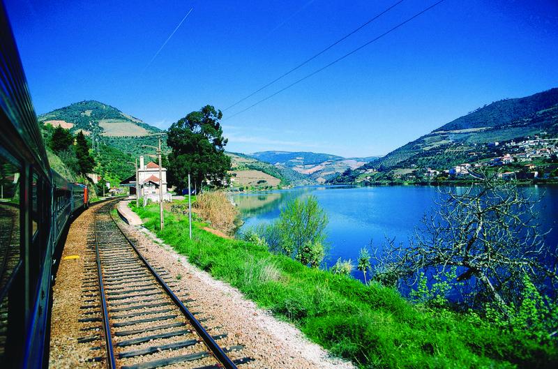 Douro river by António Sacchetti - T09AZH42