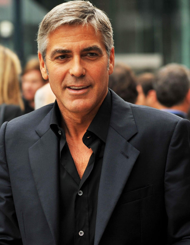 1200px-George_Clooney-4_The_Men_Who_Stare_at_Goats_TIFF09_(cropped)